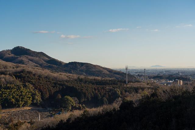 日和田山と遥か筑波山