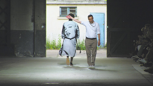 映画『ドリス・ヴァン・ノッテン ファブリックと花を愛する男』  © 2016 Reiner Holxemer Film – RTBF – Aminata bvba – BR - ARTE