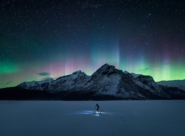 First aurora display in months here last night in Banff National Park. Perfect timing for our Banff At Night Intro to Astrophotography workshop! Big thanks to Darin Zandee on the fatbike! :-) And thanks to our participants and to the crew (Kahli April Pho