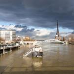 La Seine et la Tour Eiffel pendant la crue de 2018