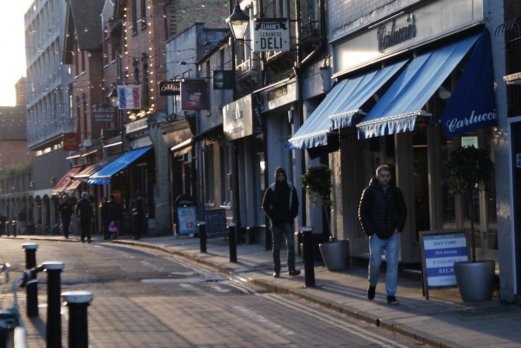 Restaurants de Little Clarendon St dans le quartier de Jericho à Oxford.