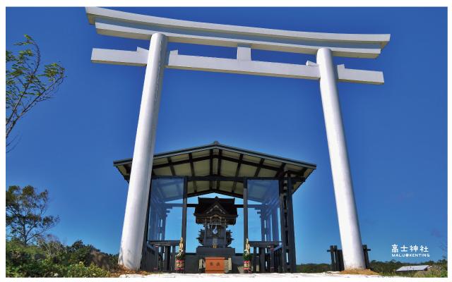 高士神社(白色鳥居)-4