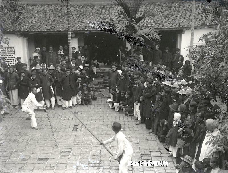 Lễ hội Tết - Chơi đấu roi trường
