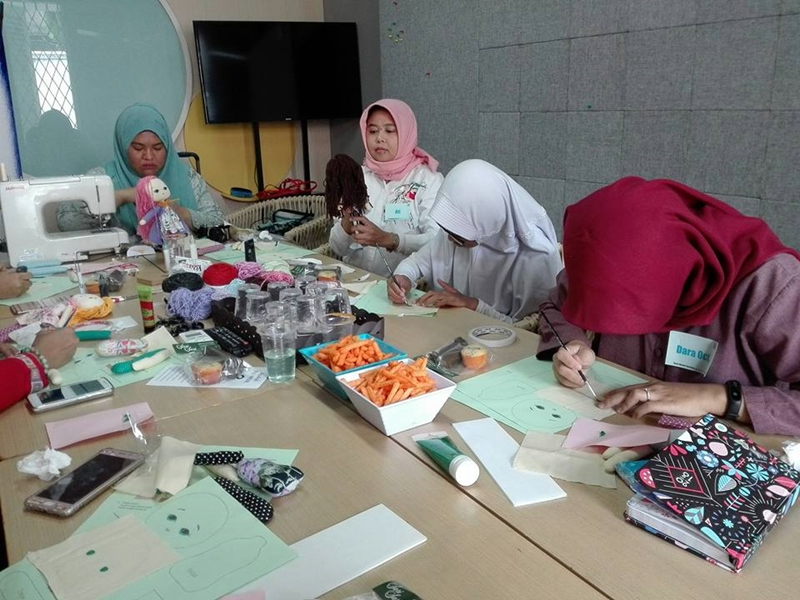 Workshop Basic Mini Doll Bersama Funwerk kegiatan 1 | Hola Darla