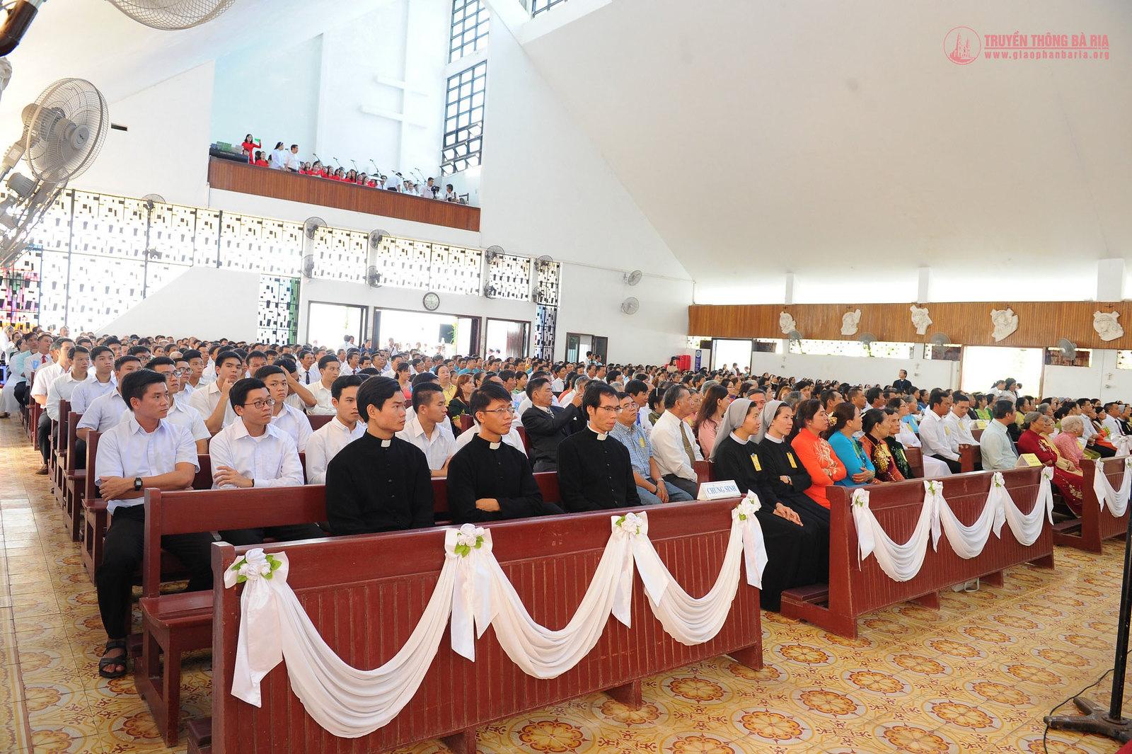 Thánh lễ truyền chức Phó tế – Gp Bà Rịa - Ảnh minh hoạ 11