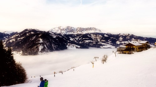 lanscape view mountains alps snow white cold winter fog foggy nature sky clouds color light details alpendorf austria salzburgerland travel skiing skiresort sport trees outdoors wanderlust