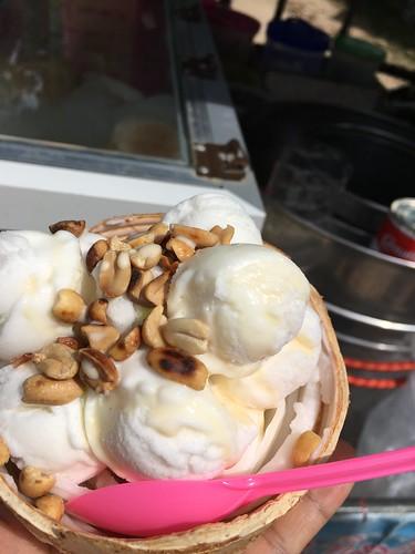 Homemade coconut ice cream  ホームメイドココナッツアイスクリーム屋台
