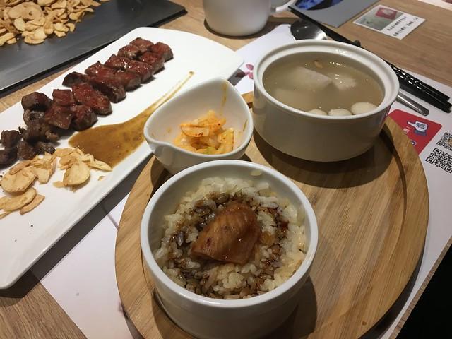 附餐的飯與湯@桃園hot 7新鉄板料理