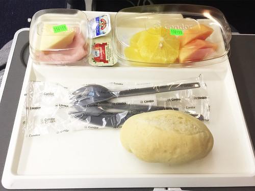 145 - Frühstück / Breakfast - Economy Class - Condor
