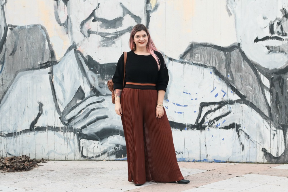 Outfit_plus_size_curvy_pantaloni_palazzo_elvi_cappotto_handmade_Franco (3)