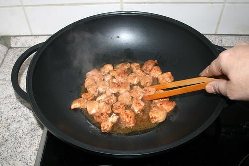 38 - Hähnchenbrust anbraten / Fry chicken breast