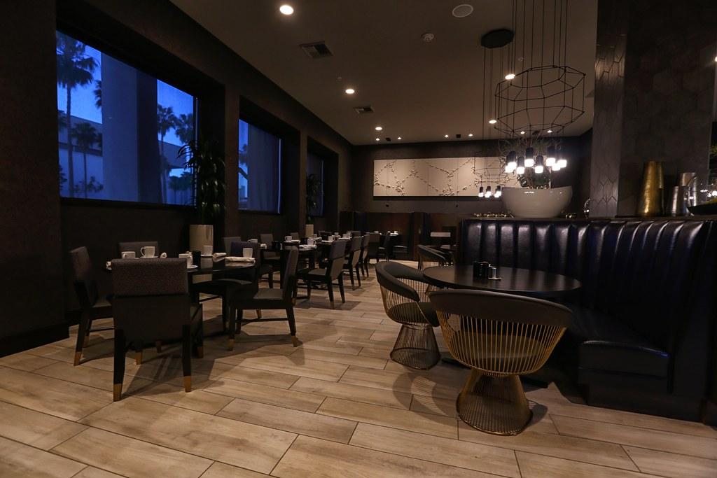 Hilton H Hotel LAX 54