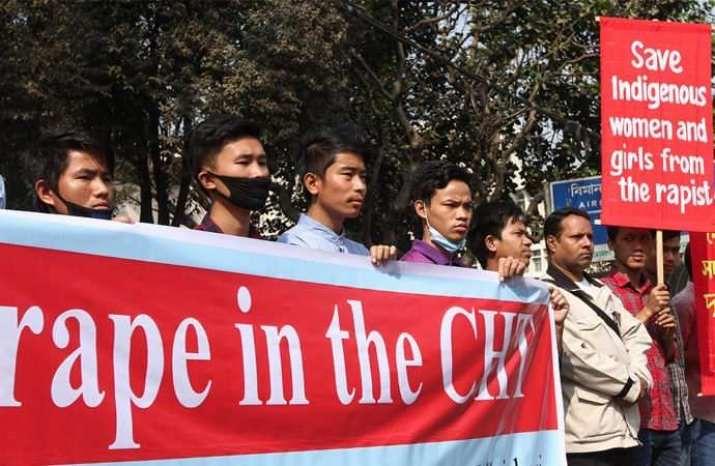 Protes di Dhaka, Bnagladesh pada Jumat (26/1/2019) untuk memprotes dugaan serangan seksual terhadap dua gadis bersaudara etnis Marma di Jalur Bukit Chittagong oleh aparat militer dan ansar.