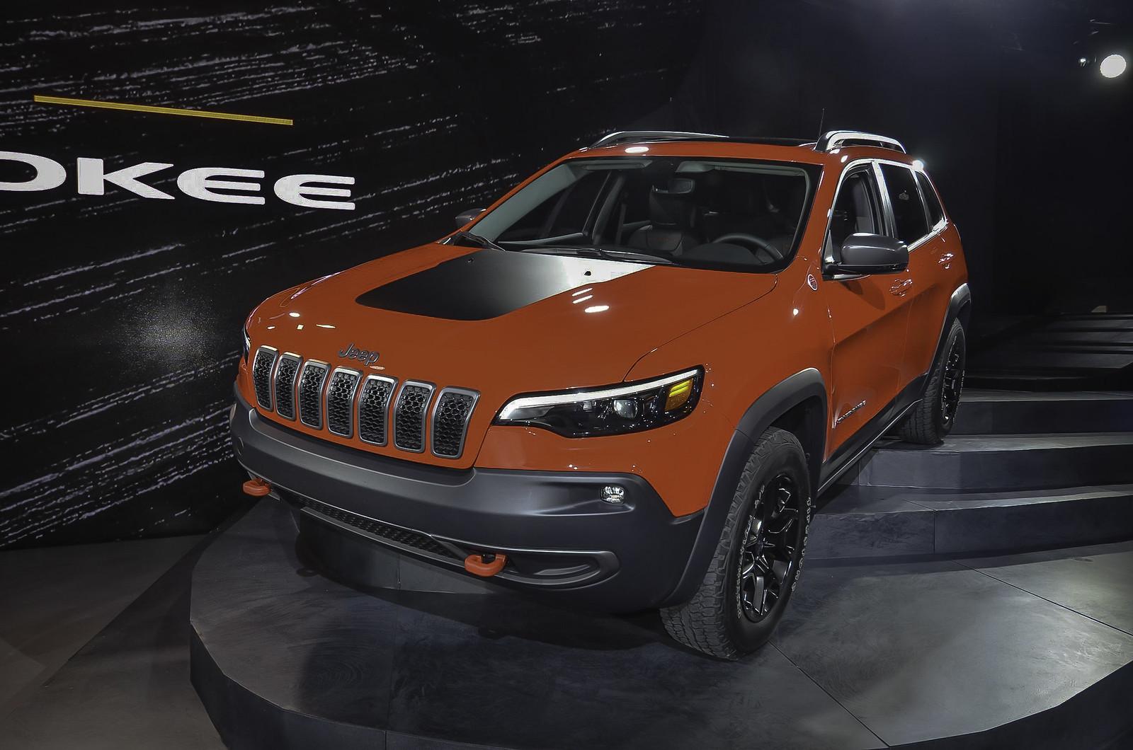 2019 Jeep Cherokee live photos: 2018 NAIAS