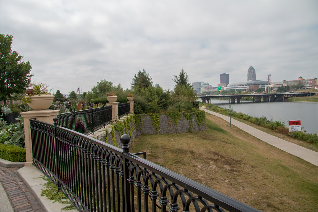 View of Des Moines from the Botanical Garden