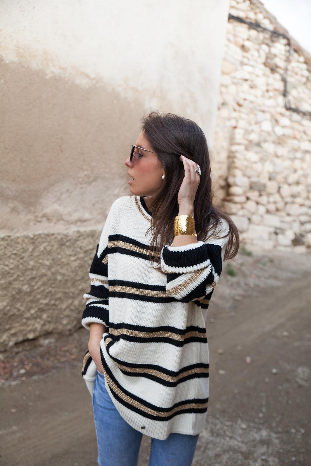 LOOK CASUAL DE FIN DE SEMANA CON JERSEY DE RAYAS theguestgirl fashion blogger influencer barcelona supreme jeans mango nueva coleccion primavera verano brand ambassador calçotada laura santolaria