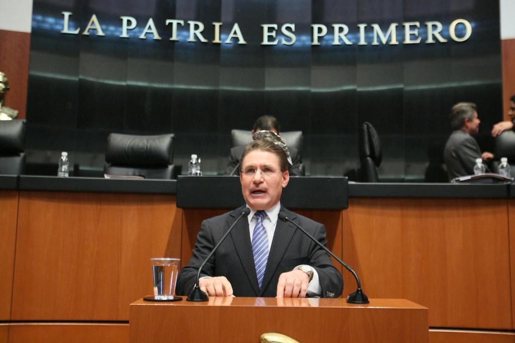 b.- José Aispuro Torres, votó a favor de todas las reformas, más por intereses personales que por convicciones partidistas. (1)
