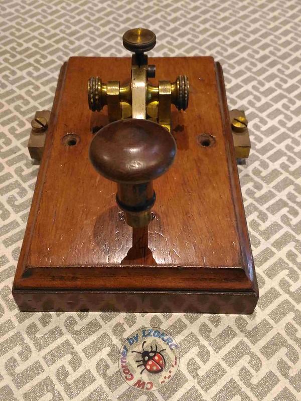 Kapsch & Shone Camelback key 2