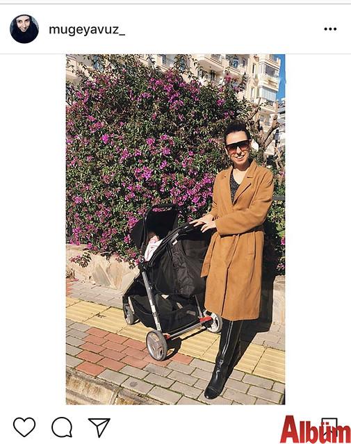 Müge Yavuz, kızı Miray'ı gezdirmek için çıktığı yürüyüşten bu fotoğrafı paylaştı.