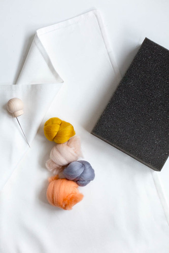 03 DIY handmade PomPon almohadón materiales