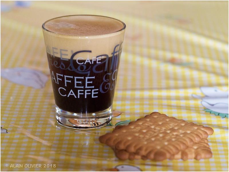 Café, café, café ! 38745790290_b6879f5a6b_o