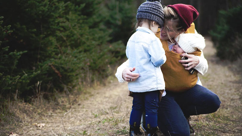 Dengan bersikap tidak toleran terhadap rengekan anak Anda akan menghentikan kebiasaan merengek anak Anda.