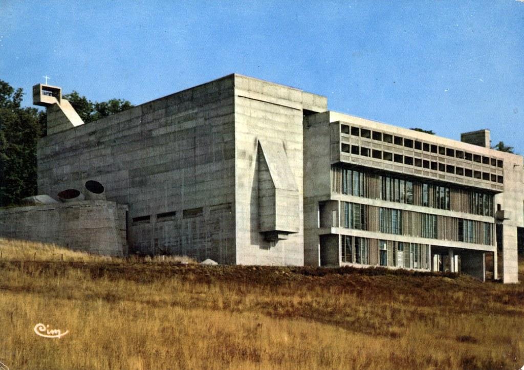 Couvent de la Tourette près de Lyon par le Corbusier.