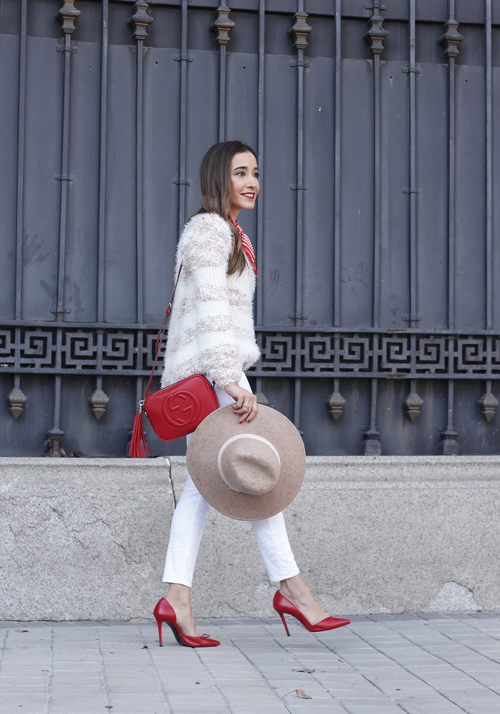 white outfit touch of red gucci bag primark hat winter outfit 201802