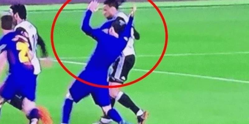 Secepat Kilat Pemain Valencia Bisa Buka Kostum Messi