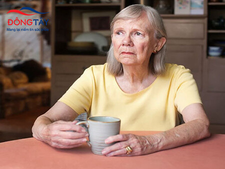Có nhiều nguyên nhân dẫn tới táo bón ở người bệnh Parkinson