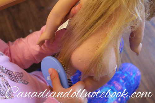 my-life-doll-hair-brush-maplelea-2