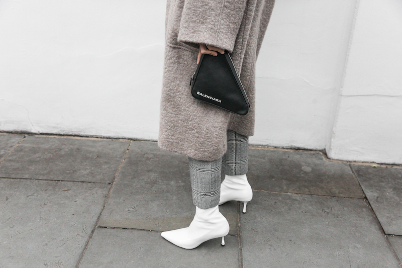 minimal street style winter london white ankle boots balenciaga triangle bag senso raey coat ellery pant turtleneck fashion blogger Instagram (5 of 12)
