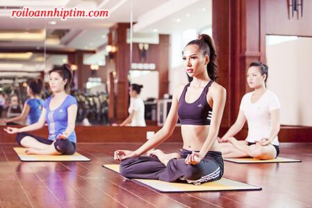 Tập yoga giúp kiểm soát bệnh rối loạn nhịp tim hiệu quả hơn