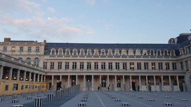 Sebuah bangunan di Kota Paris (Liputan6.com/ Agustin Setyo W)