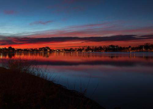 sunrise dawn daybreak morning light clouds bluehour longexposure le lake reflections sloanslake denver colorado landscape