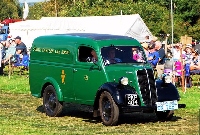 THAMES E83W VAN 1953.