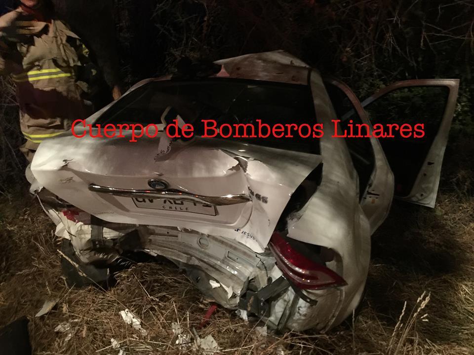 LINARES; Violenta Colisión deja 4 personas Lesionadas en sector Vara Gruesa