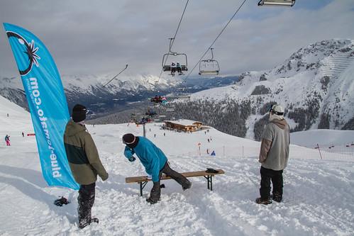 Skistockweitwurf