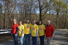 Rep. Ziobron volunteering at Veterans Count