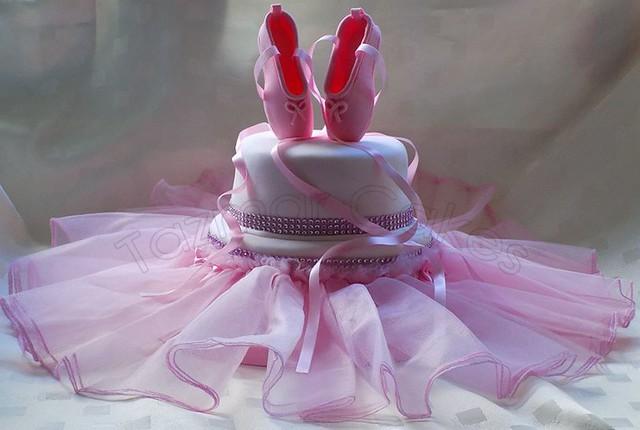Ballet Cake by Tazmar Cake's