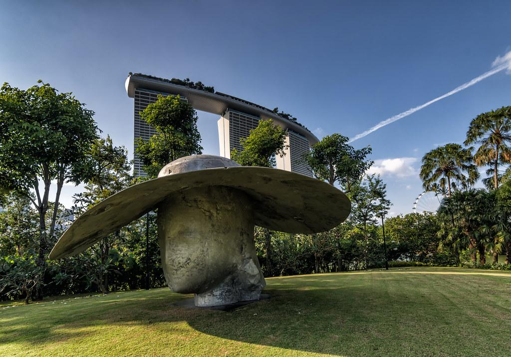Сады у залива. Просто хороший день. можно, Каналы, Селфи, фонтанов, небольших, множество, Построили, меняются, постоянно, башни, часть, финансовые, новые, видны, садами, бридж, газонах, лежать, мосту, Немного