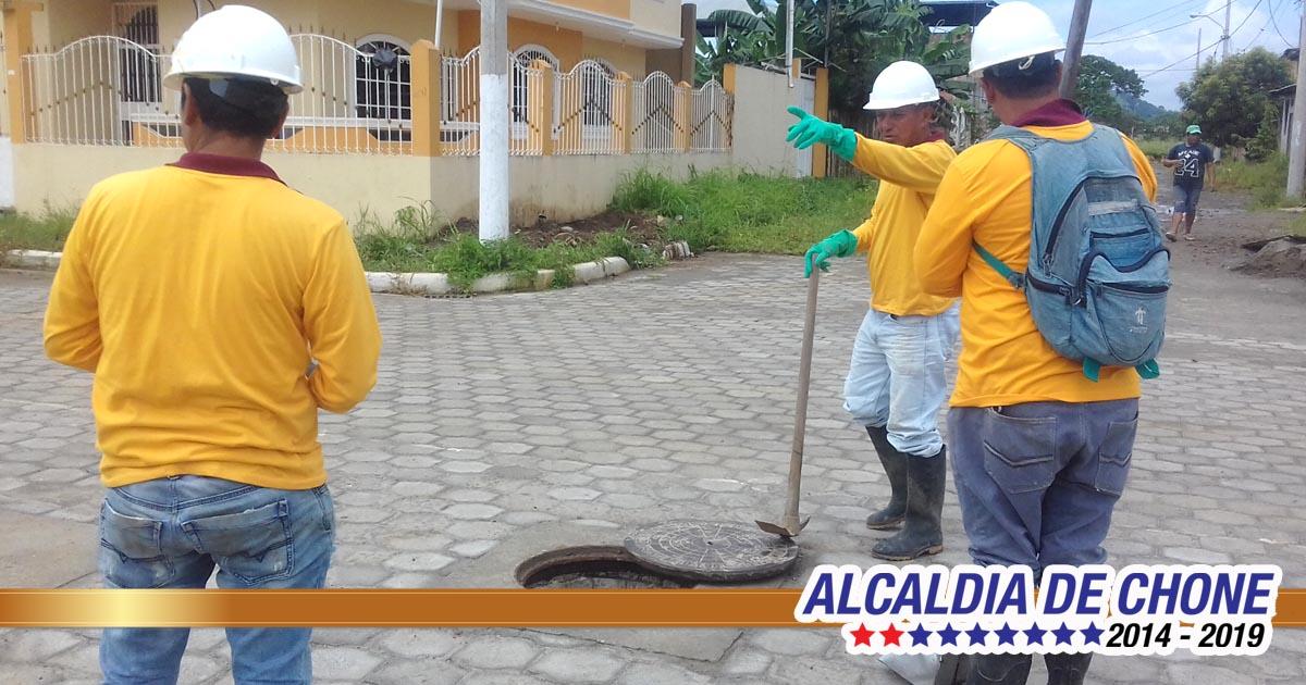 Limpieza de sumideros para evitar inundaciones