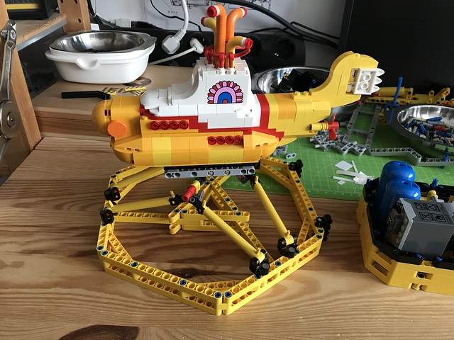[WIP] Yellow Submarine Simulator
