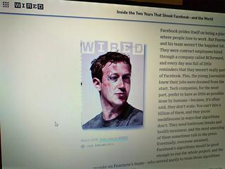 Facebook golpeado