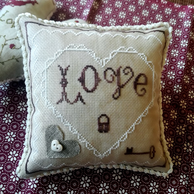 crossstitch, heart, stacynash, crochet, puff stitch, valentine'sday (2)