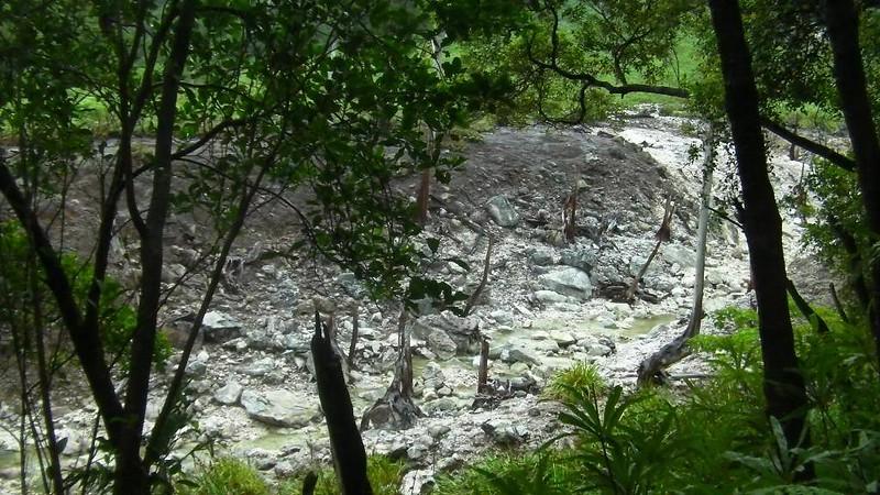 Kaipuhan Sulfur River