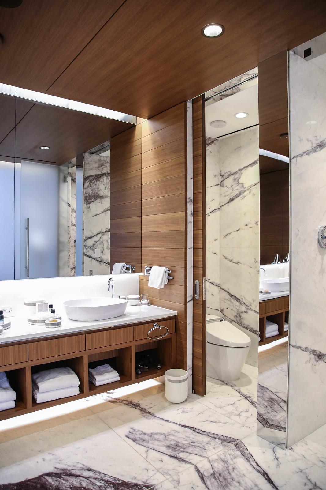 red rock resort suite guest bathroom review