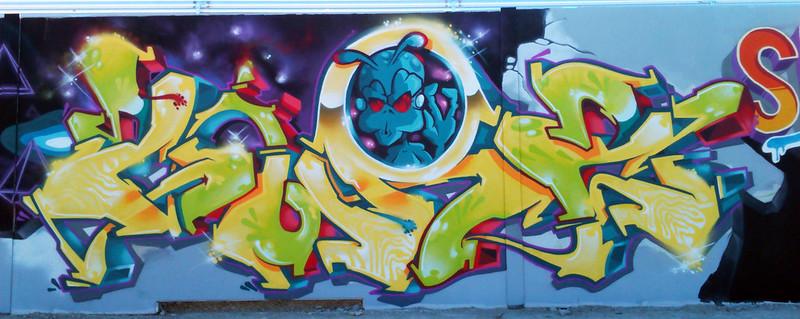 ZURDO (Alien)