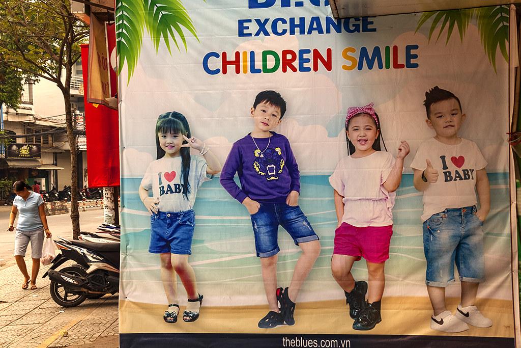 CHILDREN SMILE--Saigon