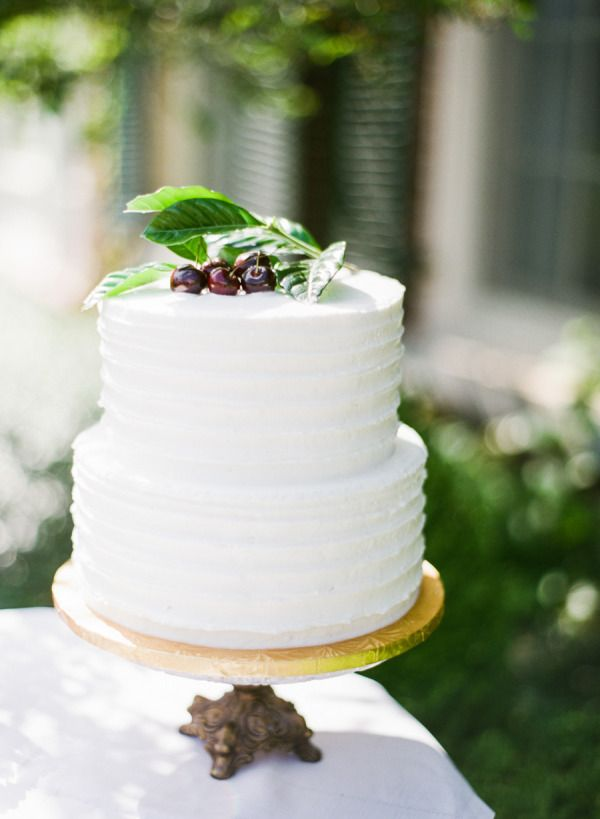 Wedding Cakes : 15 wedding cakes we adore: www.stylemepretty... | Photography: www.yazyjo.com/